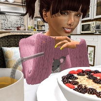 Taelor eating breakfast