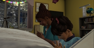 Taelor and I saying bed time prayers