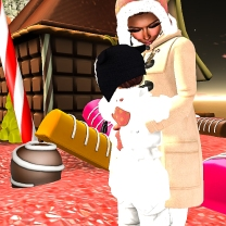 Cuddling my brightest treasure, Taelor
