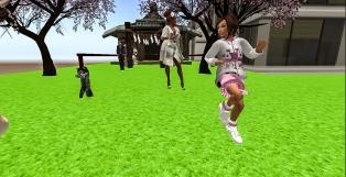 Taelor just LOVES to dance...hehehehe he's so cute