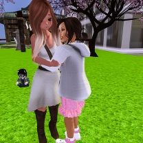 Taelor giving Mystina a big hug when she arrived