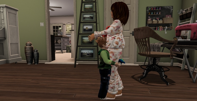 Taelor and Siddy hugging g'night